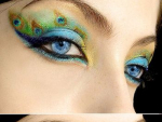 Geeky Makeup Enhances Beauty of Your Eyes