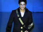 Shahrukh Khan on Rest after Successful Shoulder Operation