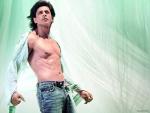 Shah Rukh Khan Shirtless 2016