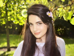 Armeena Khan raises voice against Fair Skin