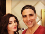 Sadia Khan & Akshay Kumar Selfie in India