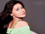 Indian Actress Sara Khan in Pakistani drama Yeh Kaisi Mohabbat Hai