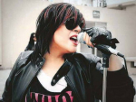 Faiza Mujahid lends Amitabh Bachchan vocal