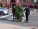 Police Arrests Tree Guy in USA for Disrupting Traffic