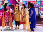 Bushra with Sisters in Sanam Baloch The Morning Show