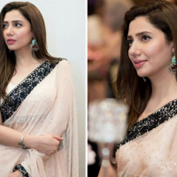 Mahira Khan Saree Pictures at Recent Event