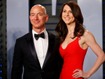 Amazon CEO Jeff Bezos Divorces to Wife MacKenzie