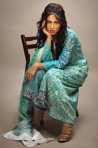 Pakistani Model Ayyan in Lakhani Wear