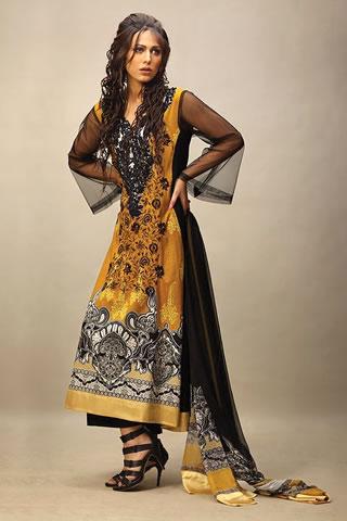 Beautiful Pakistani Model Ayyan Modeled for Lakhani