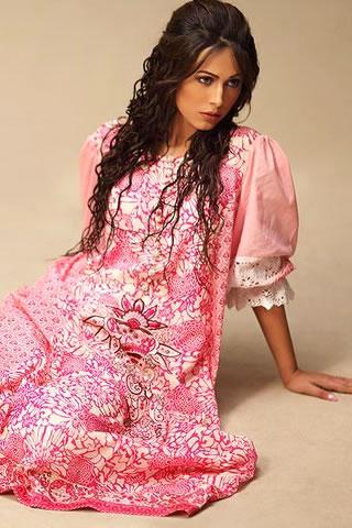Ayyan Modeled for Lakhani