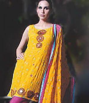 Girl Wear Shalwar Kameez