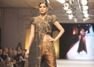 Hot Model at Islamabad Fashion Week