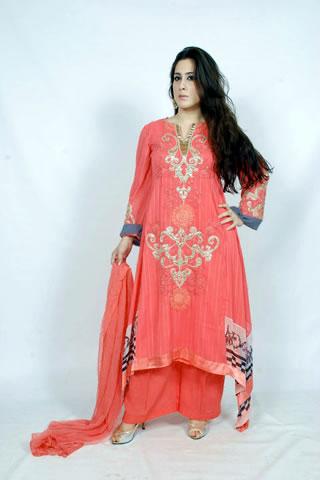 Beautiful Pakistani Model in Maria B. Eid Collection