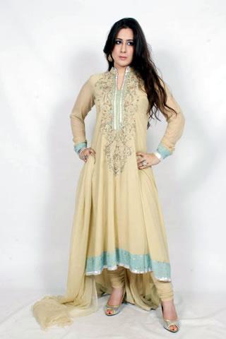 Sweet Pakistani Model in Maria B. Eid Collection