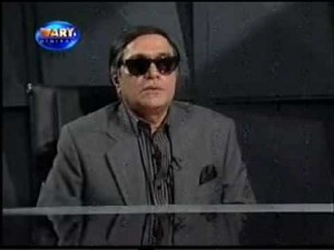 Moin Akhtar Giving Funny Interview As Chaudhary Shujahat
