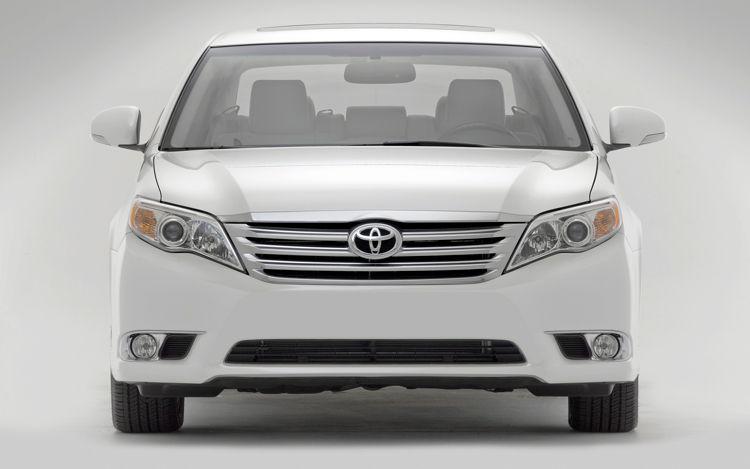 Toyota Corolla 1.3L GLi Front View