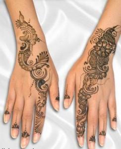 Beautiful Hands with Mehandi
