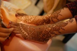 Pakistani Bridal Foot Mehndi Design 2011