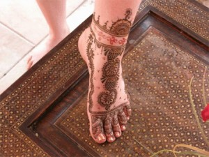 Latest Bridal Mehndi Design For Foot