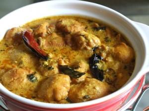Delicious Kari With Pakoras