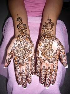Front Hands Mehandi Designs