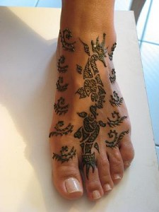 Pakistani Bridal Henna Design For Foot