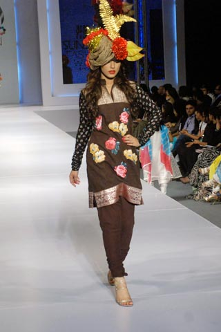 Akif Mahmood Design in pfdc sunsilk fashion week 2011