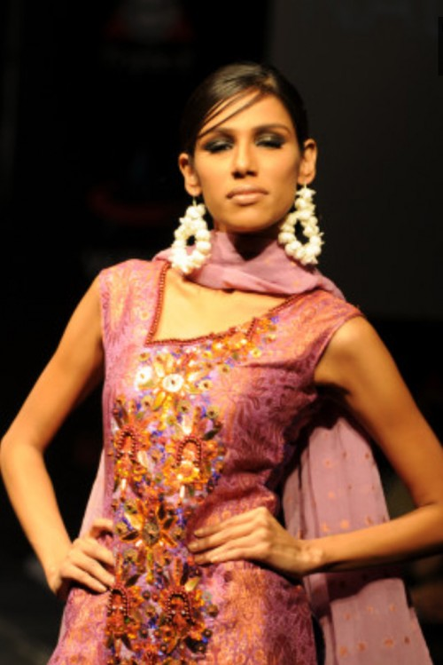 Nadya Mistry Karachi Fashion Week