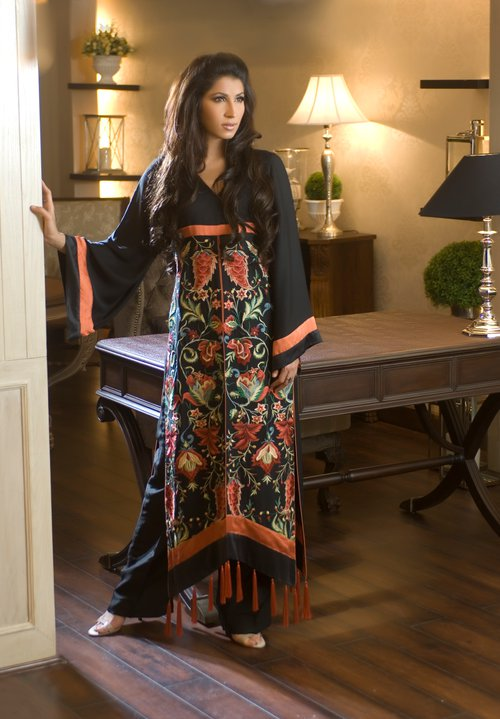 Veneeza Amhad Threads and Motifs