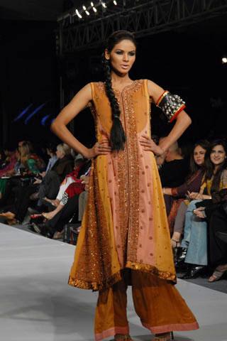 hajra hayat pfdc pakistan fashion week