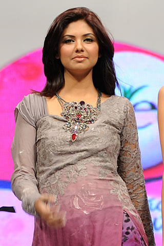 nilofer shahid at veet show