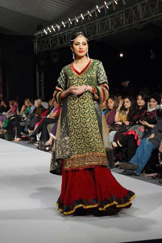 rehana pfdc pakistan fashion week