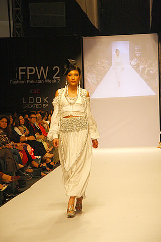 shehla rehman karachi fashion week