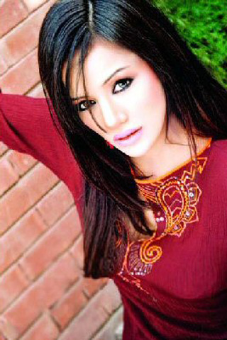 Hot Amina Shafaat