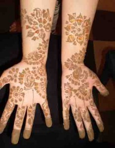 Pakistani Mehndi Designs For Ladies