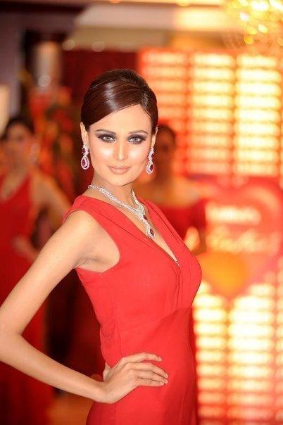Nabila Hair Stylist Model Shaista