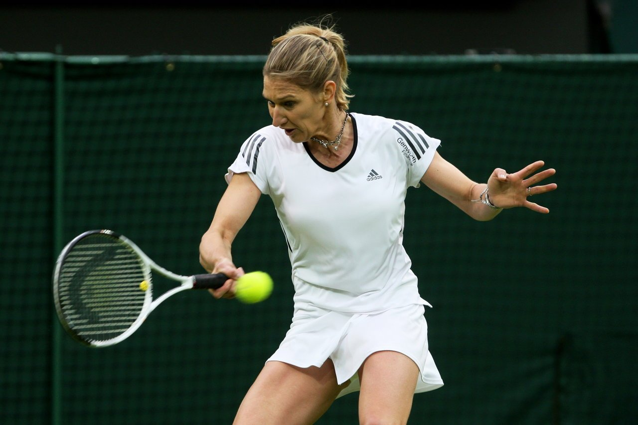 Steffi Graf Hot http://www.fashiontrends.pk/fashion-world/steffi-graf/