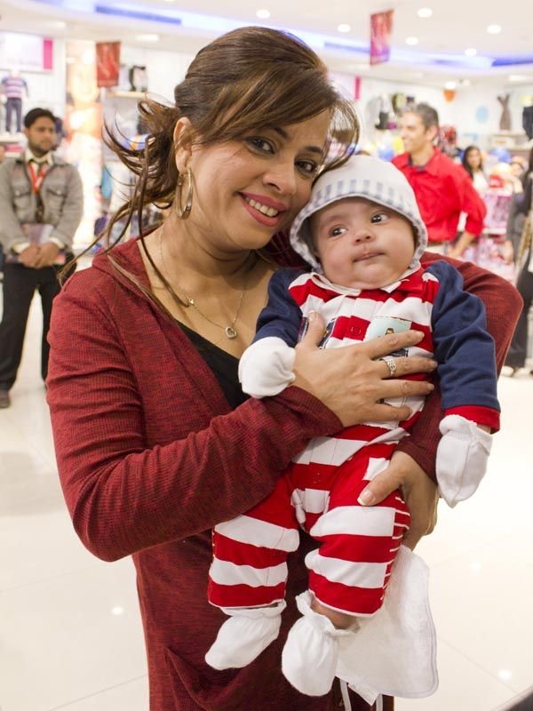 Ayesha Sana and His Son http://www.fashiontrends.pk/pakistani/babyshop