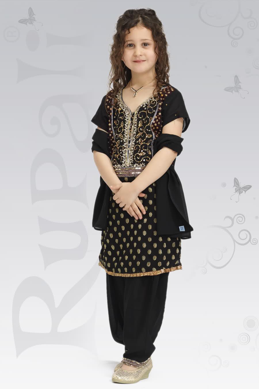 Latest Pakistan Fashion Designer 34
