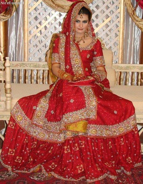 Bridal Dresses in Pakistan 1 Comment