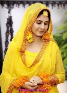 Pakistani Bridal Mehndi Dresses 2012