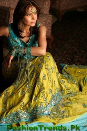 Naj Mehndi Dresses 2012-2013