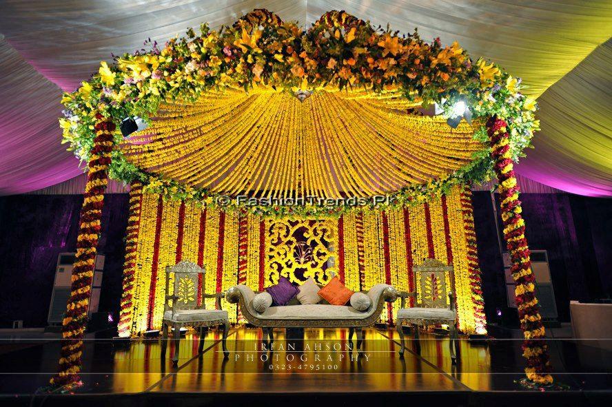 Mehndi Decoration Germany : Atif aslam wife sara bharwana