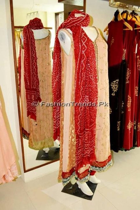 Ayesha Somaya Eid Exhibition 2013 (2)