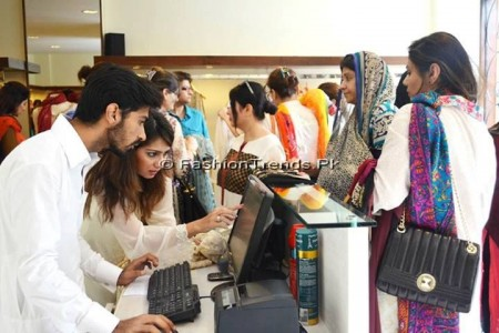 Ayesha Somaya Eid Exhibition 2013 (14)