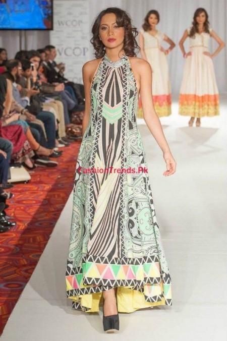At Pakistan Fashion Week Women Collection By Kiran Komal