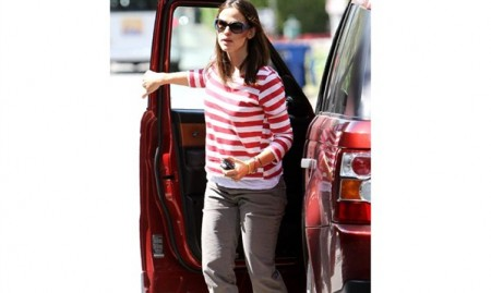 Jennifer Garner Luxury Car Photos