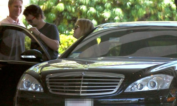 Kate Hudson & Matt Bellamy Luxury Car Photos