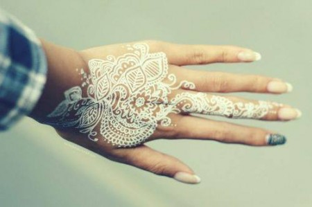 Romantic Mehndi Designs for Valentine Day 2014