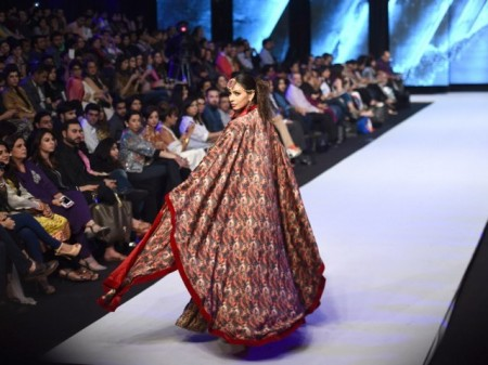 Pakistan Karachi Fashion Week 2014